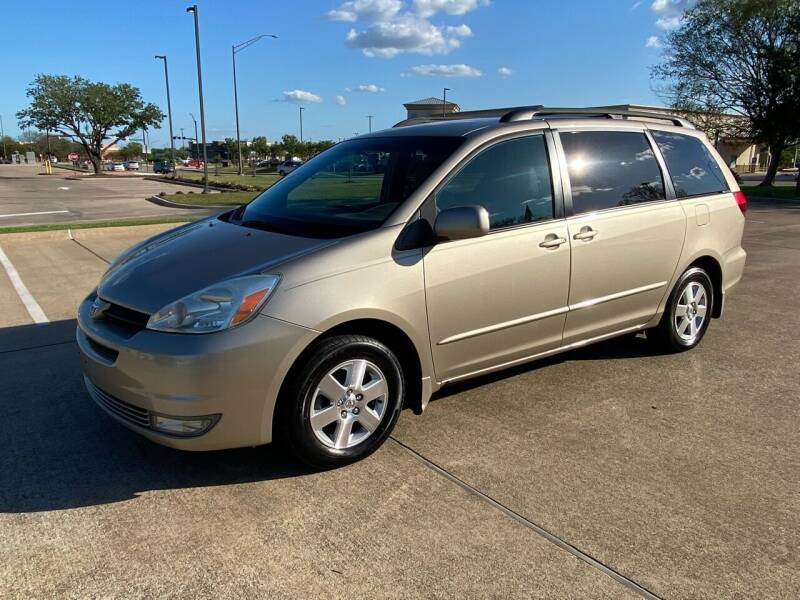 2005 Toyota Sienna for sale at Pitt Stop Detail & Auto Sales in College Station TX