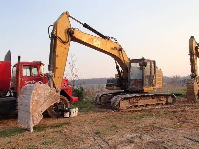 2013 Caterpillar 320EL RR - CAB for sale at Vehicle Network - Milam's Equipment Sales in Sutherlin VA
