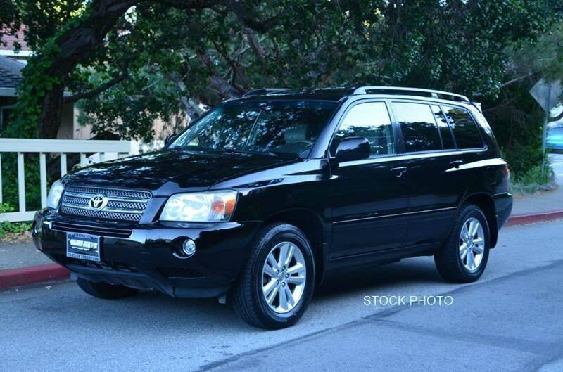 2006 Toyota Highlander Hybrid for sale at DELTA TIRE CUSTOM AUTO SALES in Quincy IL