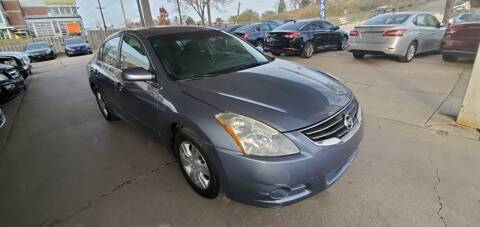 2010 Nissan Altima for sale at Divine Auto Sales LLC in Omaha NE