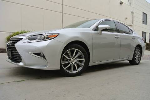 2016 Lexus ES 300h for sale at New City Auto - Retail Inventory in South El Monte CA
