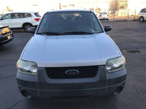 2005 Ford Escape for sale at Auto Outlet Sac LLC in Sacramento CA