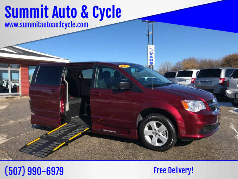 2018 Dodge Grand Caravan for sale at Summit Auto & Cycle in Zumbrota MN
