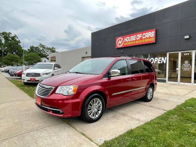 2013 Chrysler Town and Country for sale at HOUSE OF CARS CT in Meriden CT