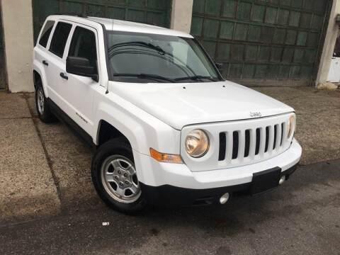 2012 Jeep Patriot for sale at Illinois Auto Sales in Paterson NJ