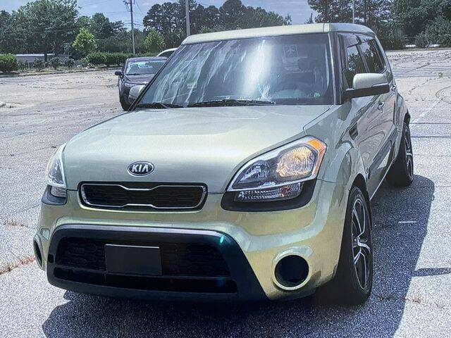 2013 Kia Soul for sale at Global Pre-Owned in Fayetteville GA
