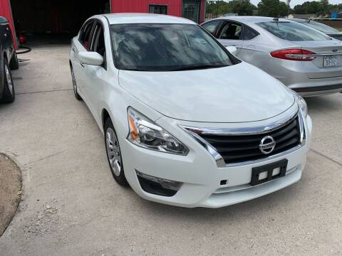2015 Nissan Altima for sale at PICAZO AUTO SALES in South Houston TX