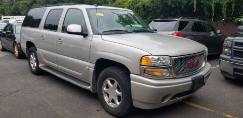 2004 GMC Yukon XL for sale at Central Jersey Auto Trading in Jackson NJ