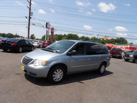 2006 Chrysler Town and Country for sale at United Auto Land in Woodbury NJ