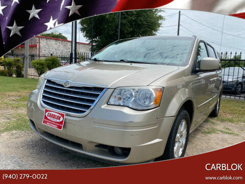 2009 Chrysler Town and Country for sale at CARBLOK in Lewisville TX