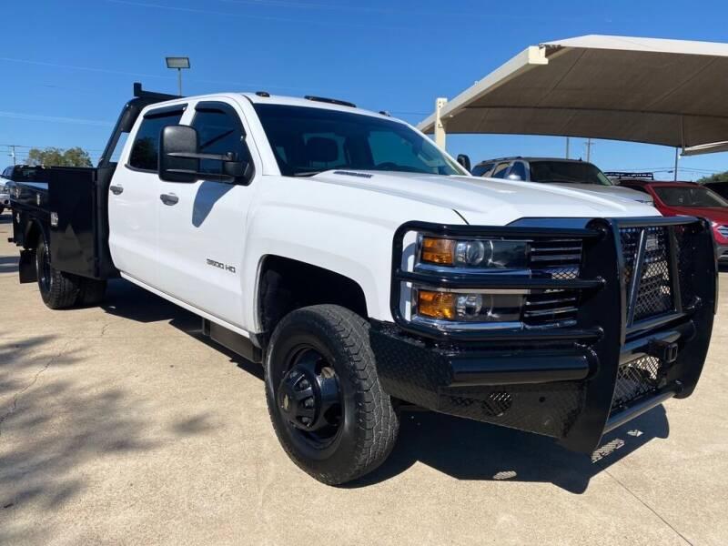 2015 Chevrolet Silverado 3500HD CC for sale at Thornhill Motor Company in Hudson Oaks, TX