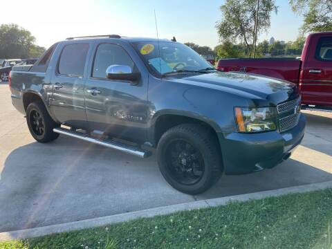 2008 Chevrolet Avalanche for sale at Azteca Auto Sales LLC in Des Moines IA