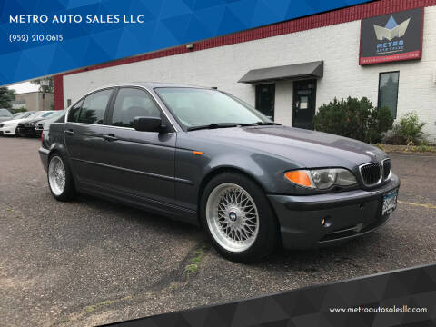 2003 BMW 3 Series for sale at METRO AUTO SALES LLC in Blaine MN