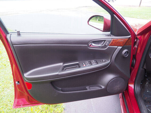 2011 Chevrolet Impala LT 4dr Sedan - Cortland OH