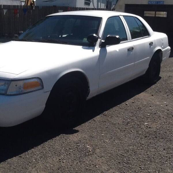 2006 Ford Crown Victoria for sale at Lance Motors in Monroe Township NJ
