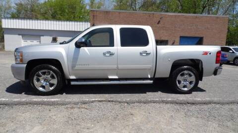 2011 Chevrolet Silverado 1500 for sale at G AND J MOTORS in Elkin NC