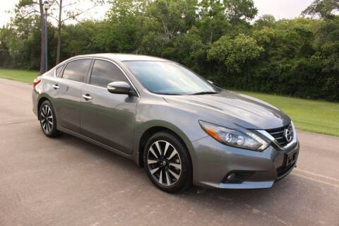 2017 Nissan Altima for sale at Clear Lake Auto World in League City TX