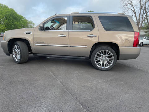 2007 Cadillac Escalade for sale at Beckham's Used Cars in Milledgeville GA