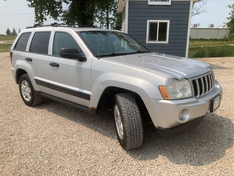 2005 Jeep Grand Cherokee for sale at MINNESOTA CAR SALES in Starbuck MN