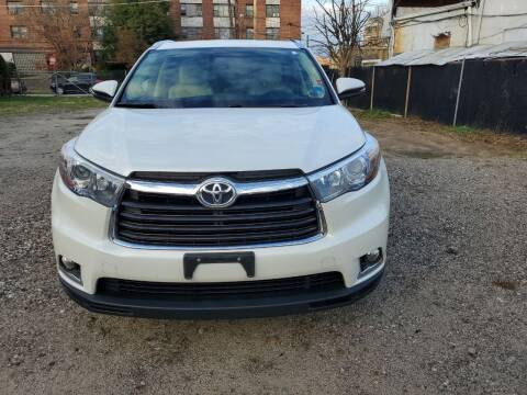 2015 Toyota Highlander for sale at OFIER AUTO SALES in Freeport NY