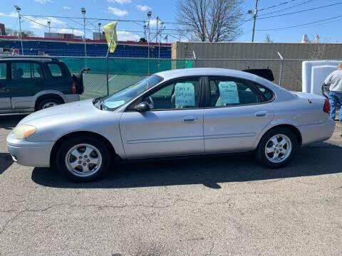 2004 Ford Taurus for sale at LINDER'S AUTO SALES in Gastonia NC