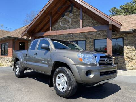 2010 Toyota Tacoma for sale at Auto Solutions in Maryville TN