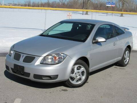 2007 Pontiac G5 for sale at Highland Luxury in Highland IN
