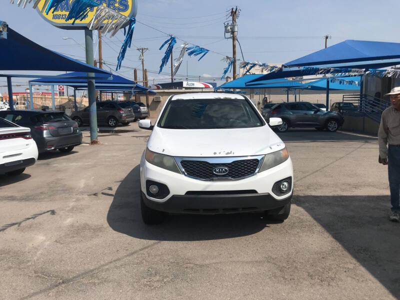 2011 Kia Sorento for sale at Autos Montes in Socorro TX