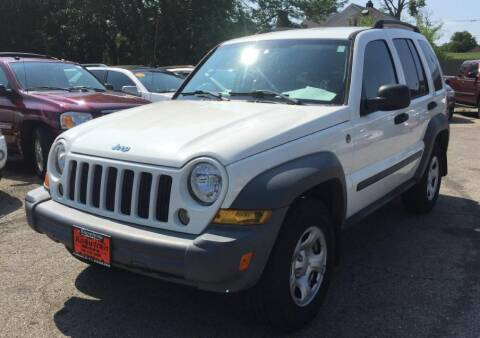 2005 Jeep Liberty for sale at Knowlton Motors, Inc. in Freeport IL