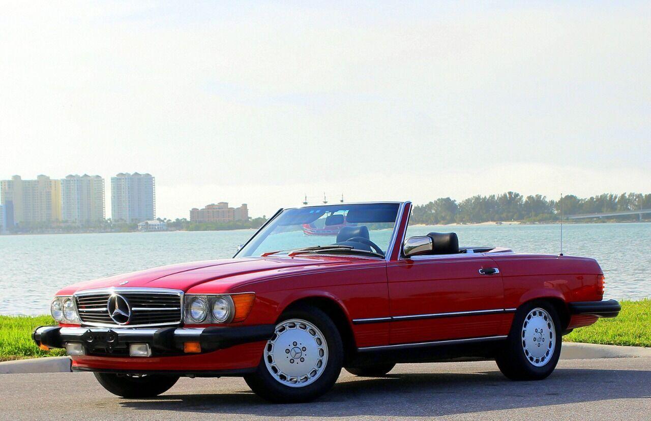 1987 Mercedes-Benz 560-Class 1