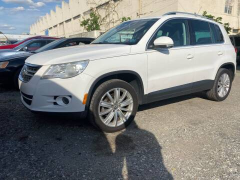 2009 Volkswagen Tiguan for sale at Philadelphia Public Auto Auction in Philadelphia PA