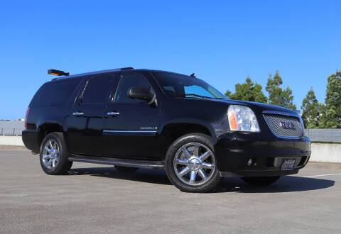 2008 GMC Yukon XL for sale at La Familia Auto Sales in San Jose CA