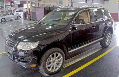 2010 Volkswagen Touareg for sale at Supreme Carriage in Wauconda IL