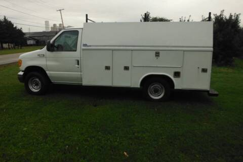 2005 Ford E-350 for sale at Vicki Brouwer Autos Inc. in North Rose NY