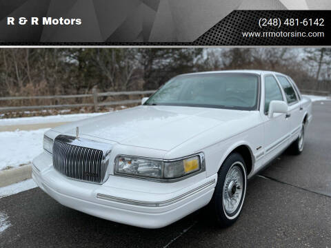 1997 Lincoln Town Car for sale at R & R Motors in Waterford MI