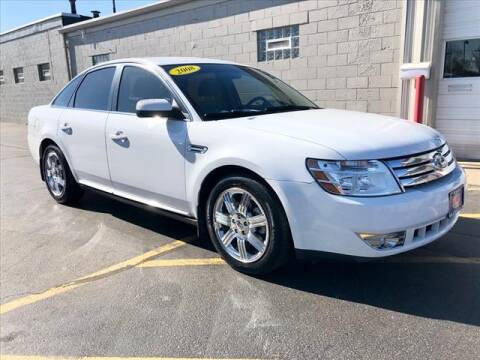 2008 Ford Taurus for sale at Richardson Sales & Service in Highland IN