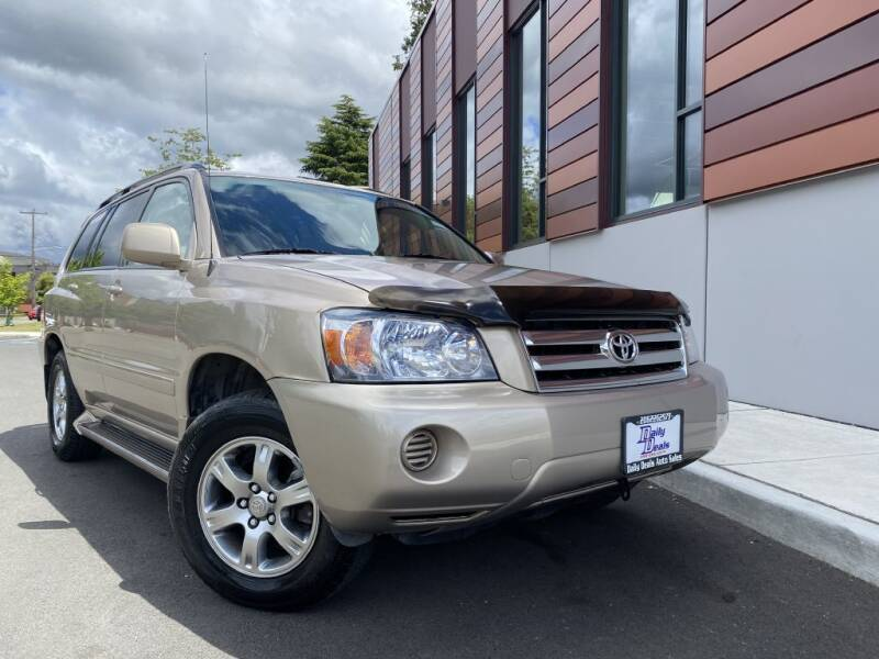 2005 Toyota Highlander for sale at DAILY DEALS AUTO SALES in Seattle WA