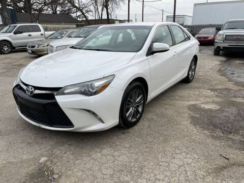 2015 Toyota Camry for sale at The Kar Store in Arlington TX