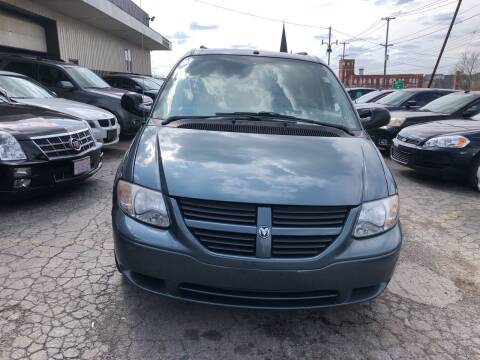 2006 Dodge Grand Caravan for sale at Six Brothers Auto Sales in Youngstown OH