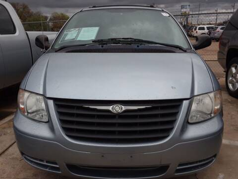 2006 Dodge Caravan for sale at Auto Haus Imports in Grand Prairie TX