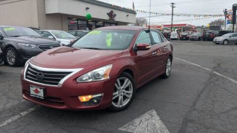 2015 Nissan Altima for sale at Alvarez Auto Sales in Kennewick WA