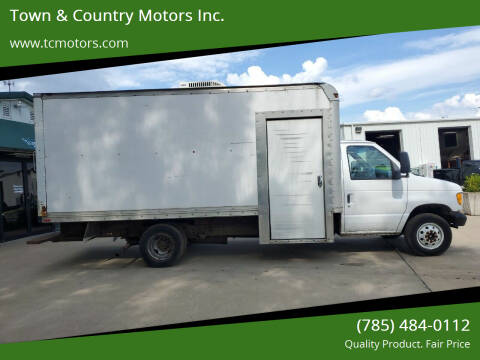 2000 Ford E-Series Chassis for sale at Town & Country Motors Inc. in Meriden KS