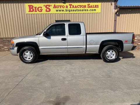 2004 GMC Sierra 1500 for sale at BIG 'S' AUTO & TRACTOR SALES in Blanchard OK