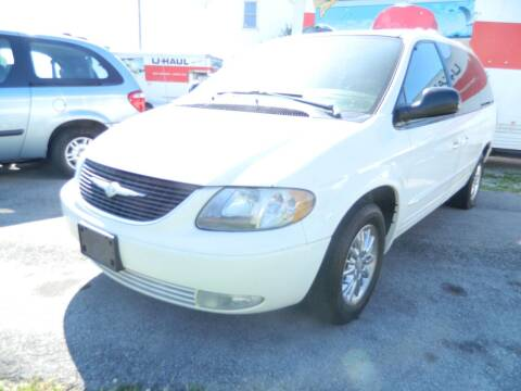 2003 Chrysler Town and Country for sale at Auto House Of Fort Wayne in Fort Wayne IN