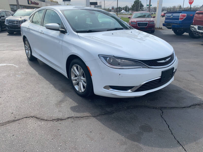 2015 Chrysler 200 for sale at Summit Palace Auto in Waterford MI
