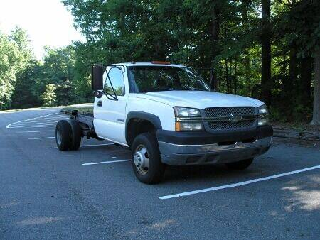 2004 Chevrolet Silverado 3500 for sale at RICH AUTOMOTIVE Inc in High Point NC