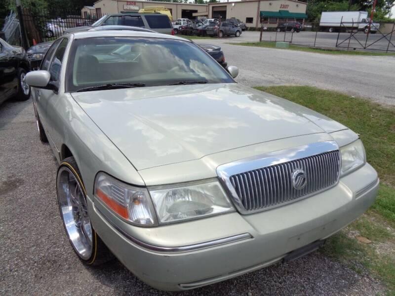 2005 Mercury Grand Marquis for sale at SCOTT HARRISON MOTOR CO in Houston TX
