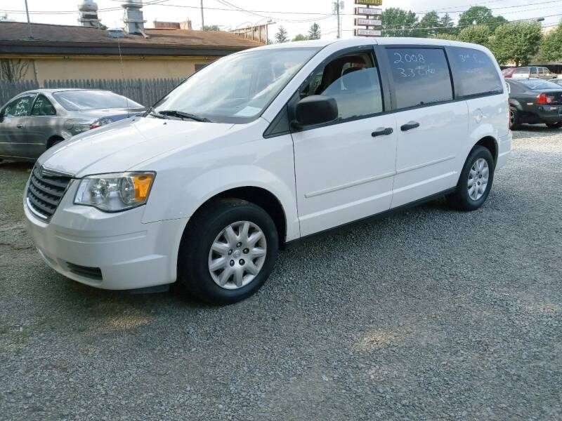 2008 Chrysler Town and Country for sale at Easy Does It Auto Sales in Newark OH