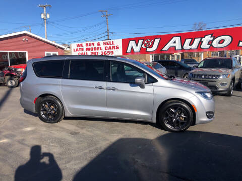 2018 Chrysler Pacifica for sale at N & J Auto Sales in Warsaw IN