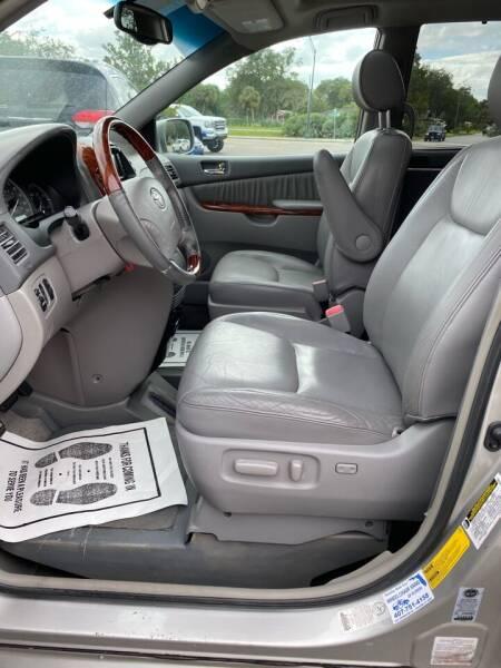 2005 Toyota Sienna XLE Limited 7-Passenger 4dr Mini-Van - Lakeland FL